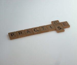 ピアノが上手い人の特徴②:練習曲も弾いている